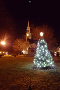 Lit Tree with Status and Steeple